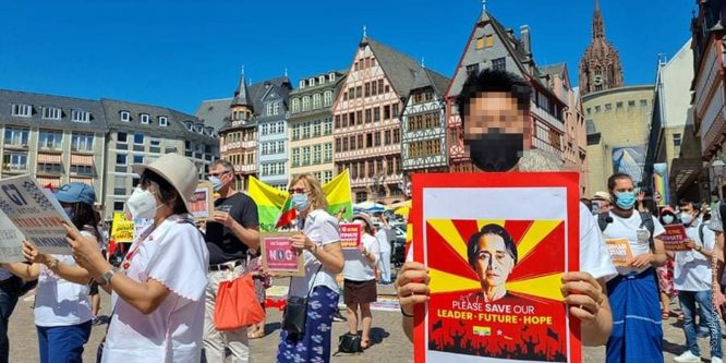 Solidarity actions on the occasion of the G7 summit in Cornwall